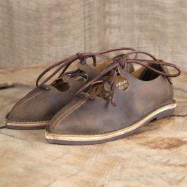 Chaussures médiévales à lacets