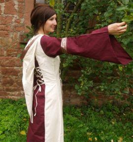 Robe bicolore à Capuche S/M   bordeaux-écru