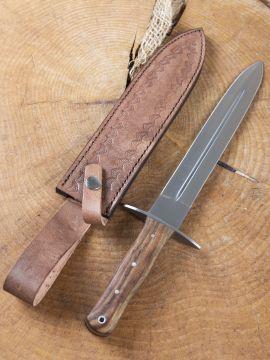 Dague avec manche en bois