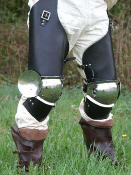 Jambes d armure en cuir et acier