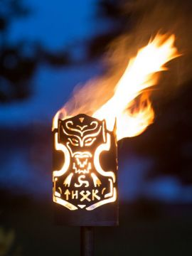 Flambeau fabriqué à la main en acier motif Thorshammer