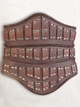 Corset en cuir marron, avec rivets