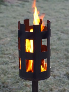 Torche médiévale en acier