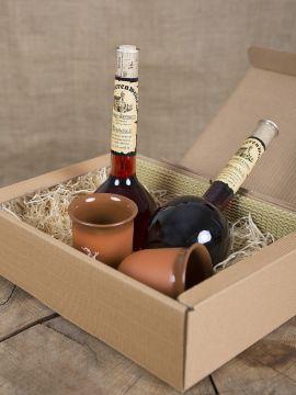 Coffret cadeau avec vins épicés et chopes