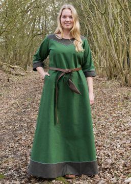 Robe médiévale Gesine en vert