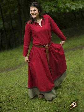 Robe avec surpiqures en rouge
