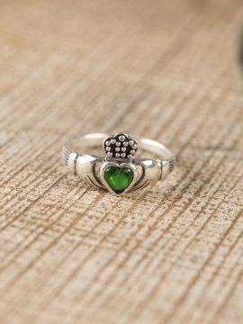Anneau Claddagh, pierre verte
