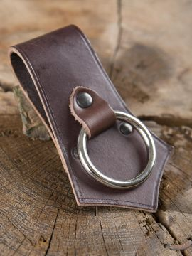 Porte-hache en cuir marron avec anneau