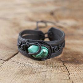 Bracelet orné d'une malachite