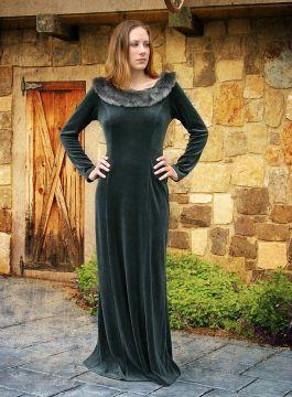 Robe médiévale en velours et fourrure
