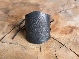 Brassards en cuir motifs noeud celtique, en noir