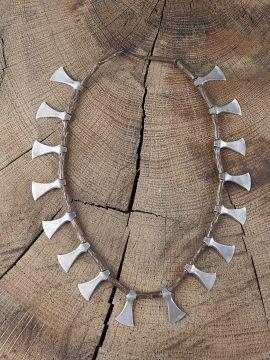 Collier Haches en argent montées sur une chaîne moulée en bronze