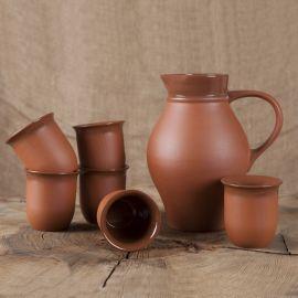Ensemble en argile cruche et tasses