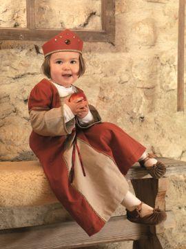 Robe de damoiselle avec couronne