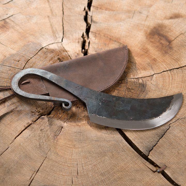 Couteau et fourreau en cuir