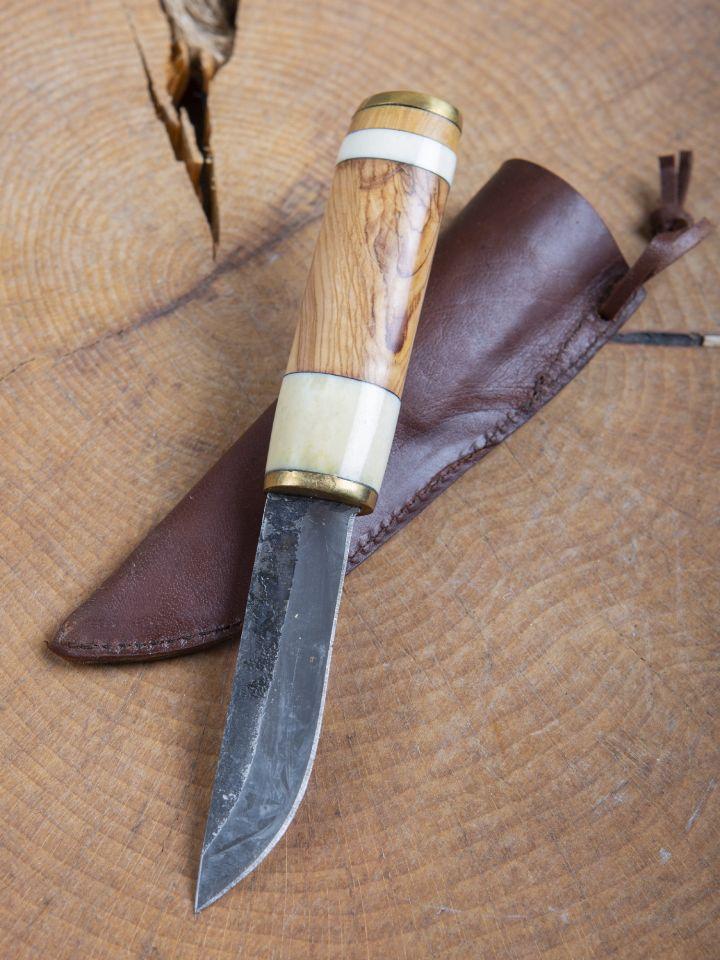 Couteau médiéval avec manche en bois et os