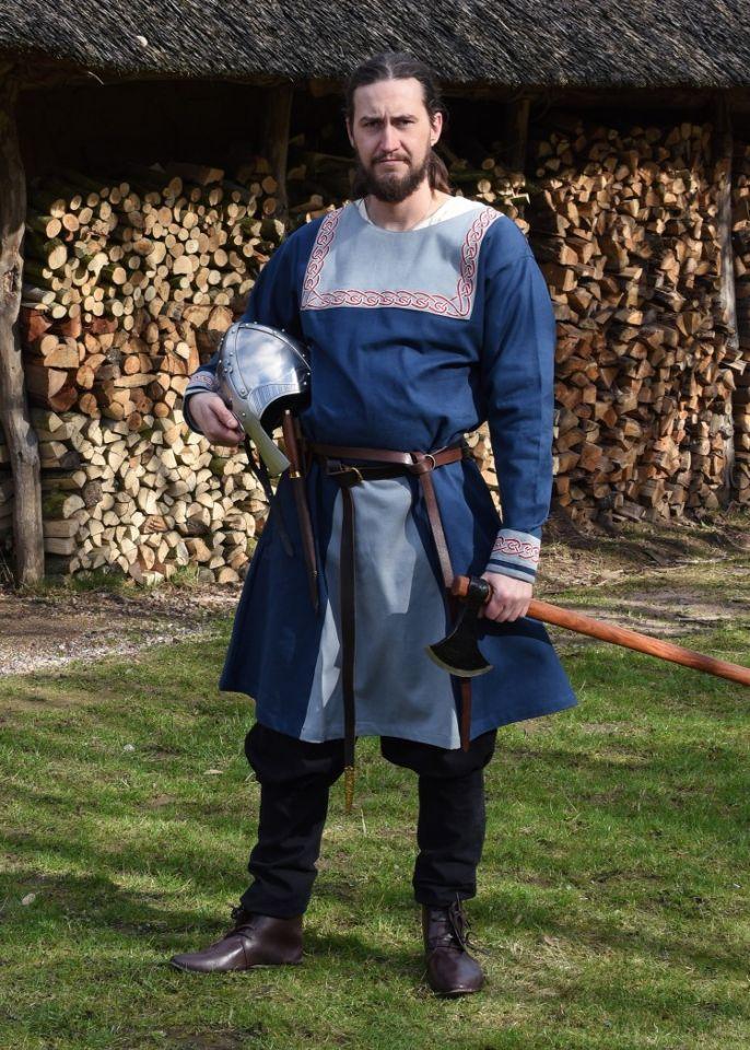 Tunique Viking avec broderies, en bleu