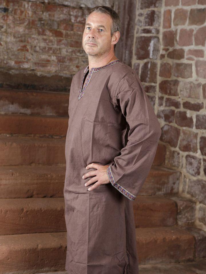 Tunique médiévale à galon en brun, en coton