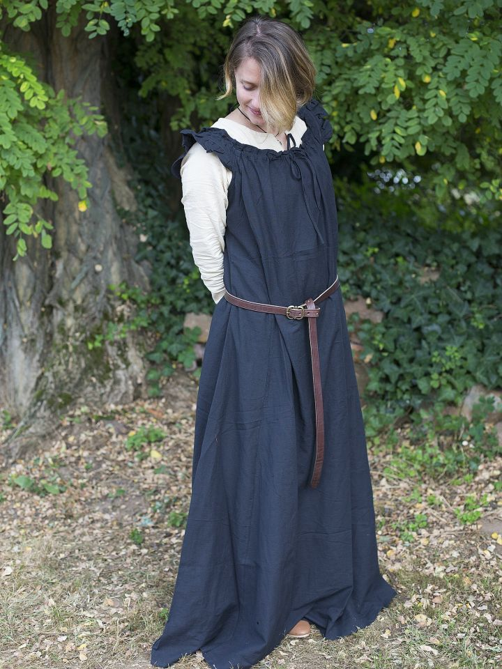 Robe médiévale sans manche à volant en noir