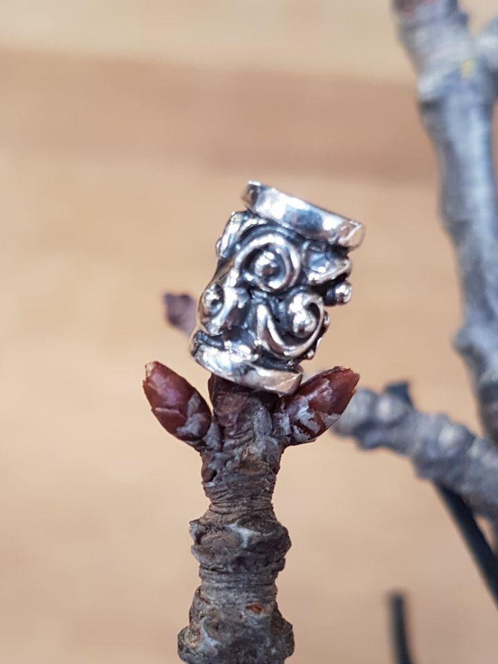 Perle Viking avec motif en spirale