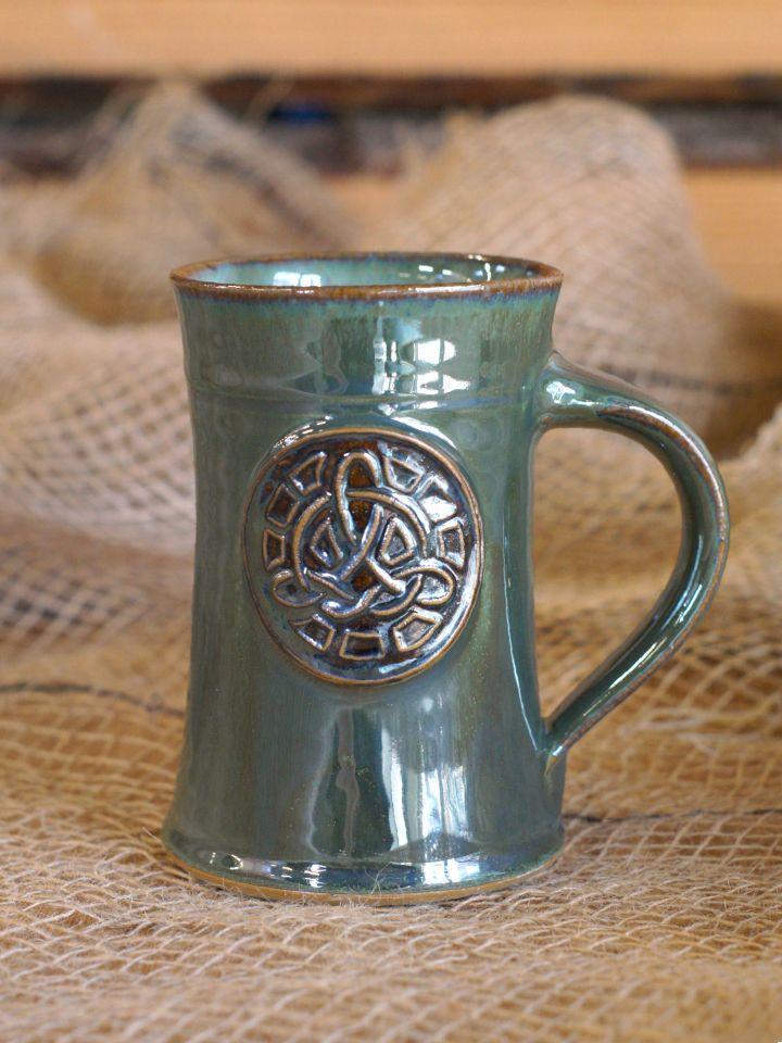 Chope à bière avec motif Noeud celtique, en vert