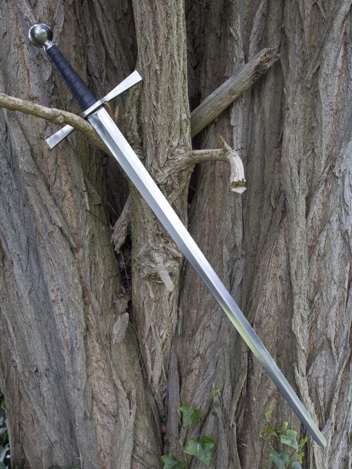 Epée à une main avec pommeau boule