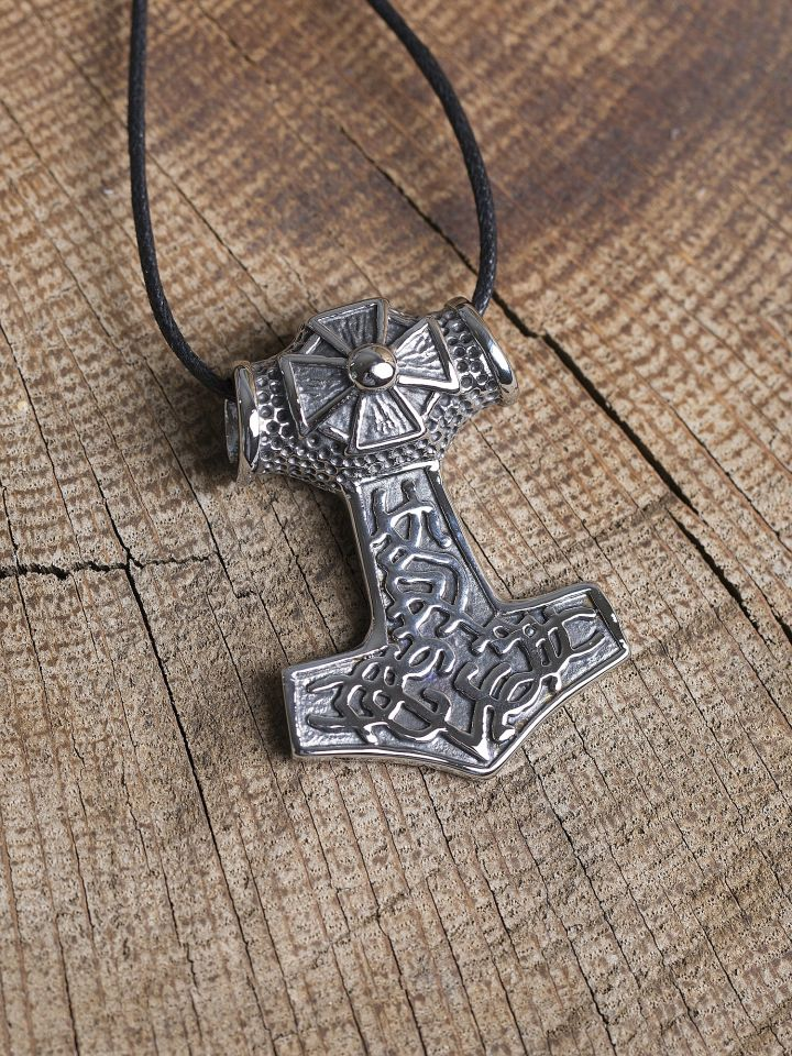 Pendentif marteau Thor en acier