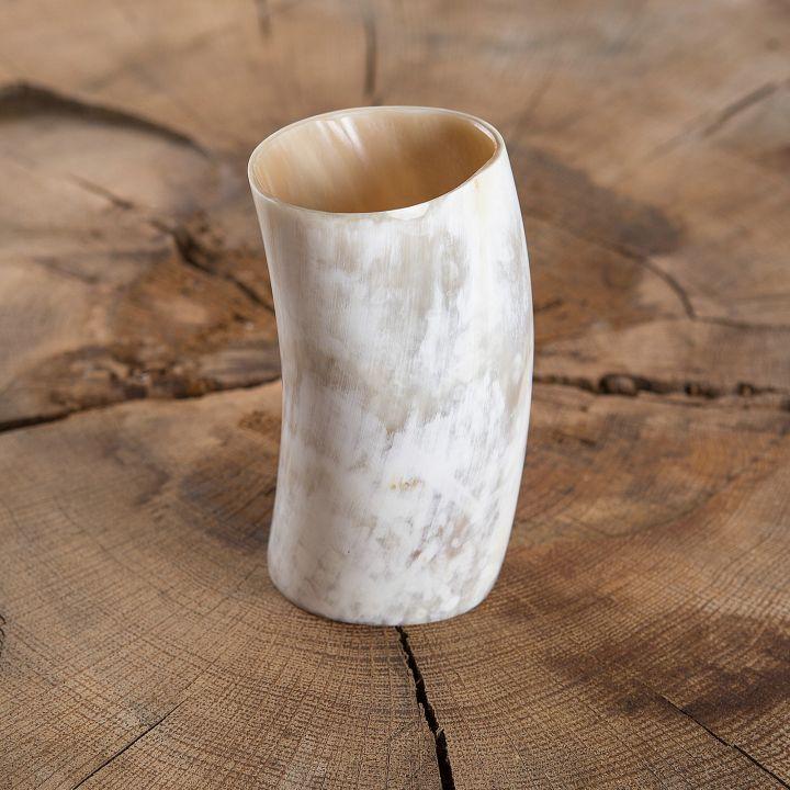 Gobelet en corne 12 cm