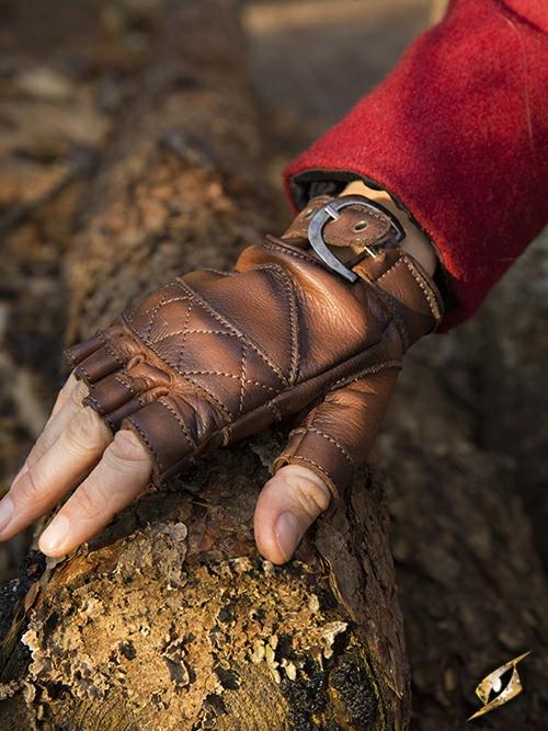 Gants en cuir celtiques
