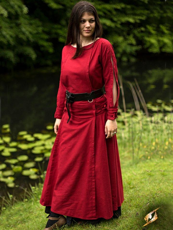Robe à laçage en rouge