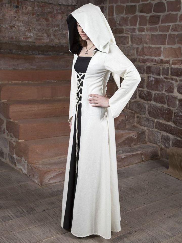 Robe médiévale Luna en blanc et noir au centre
