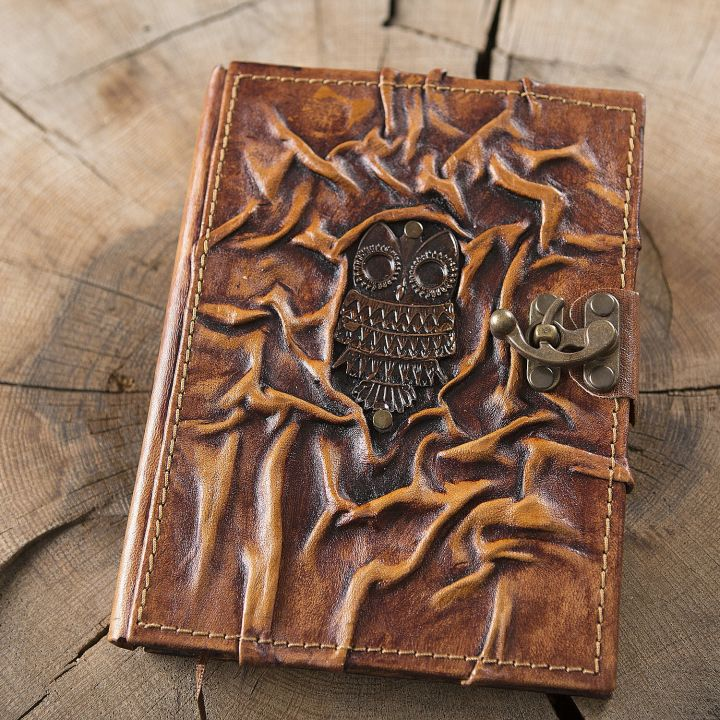 Grand carnet en cuir motif chouette
