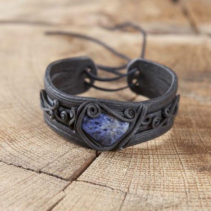 Bracelet orné d'une sodalite