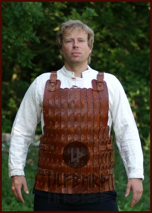 Armure en plaques de cuir