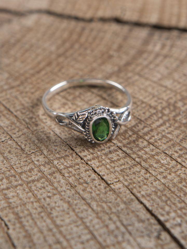 Bague en argent avec pierre en Zircon vert