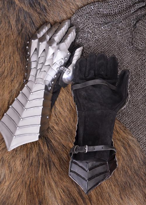 Paire de gants en cuir souple et gantelets en acier 2