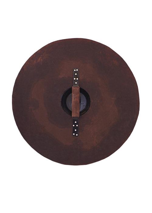 Bouclier rond en bois orné de motifs en acier 2