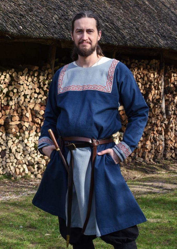 Tunique Viking avec broderies, en bleu 2