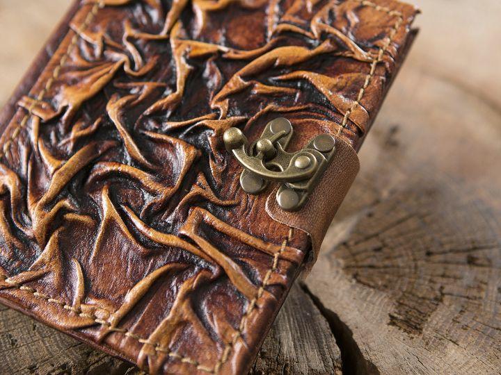 Carnet médiéval en cuir 2