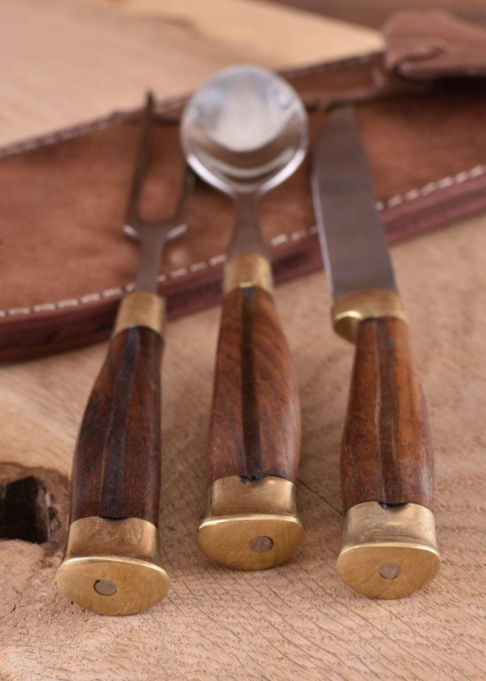Ménagère médiévale 3 pièces, manche en bois et étui en cuir 2