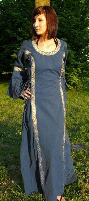 Robe médiévale bleue, lacée sur les côtés 2