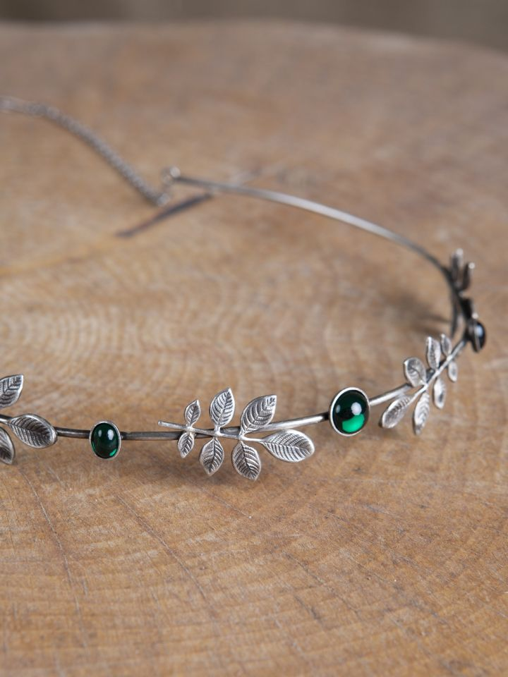 Tiare à petites feuilles et pierre verte 2