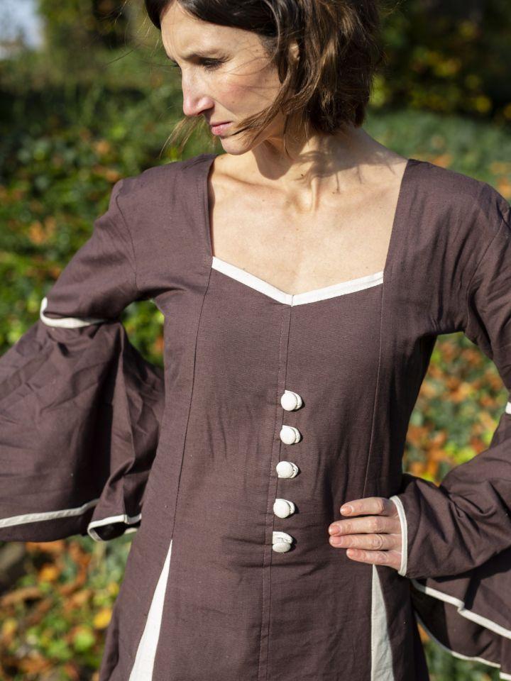 Robe médiévale avec boutons décoratifs, marron-écrue 2