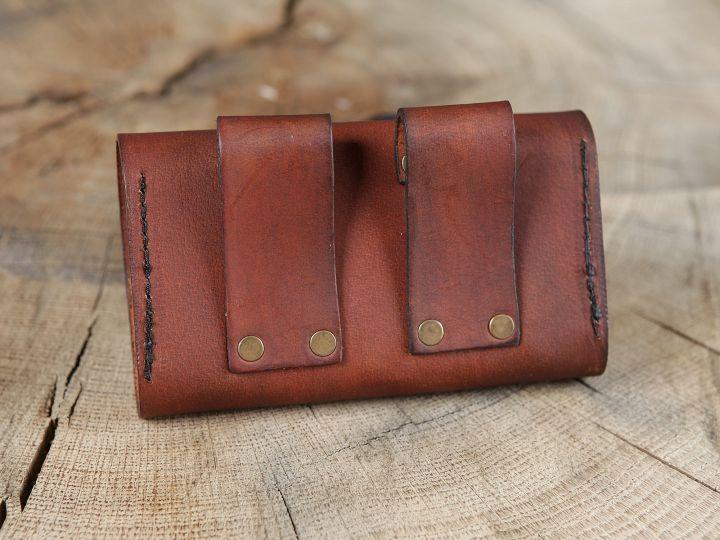 Sacoche de ceinture en cuir marron et ses trois fioles 2