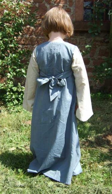 Robe Sophia 122/128 2