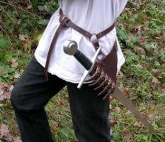 Sangle de maintien pour rapière ou épée marron 2