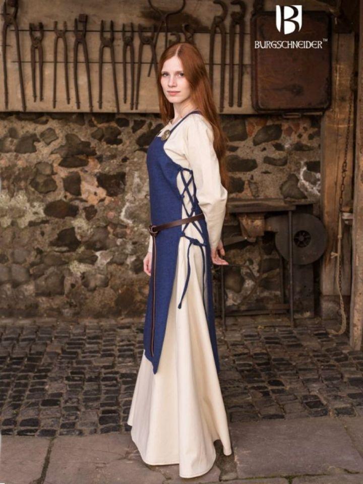 Robe tablier Gyda en bleu 2