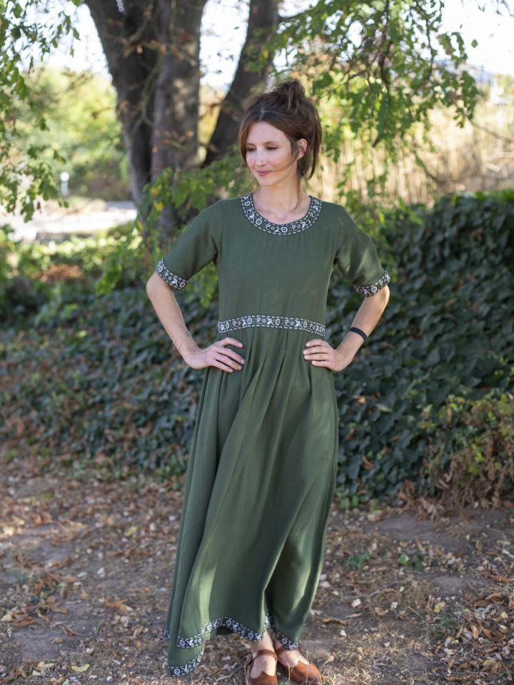Robe manches courtes avec galon, en vert L 2