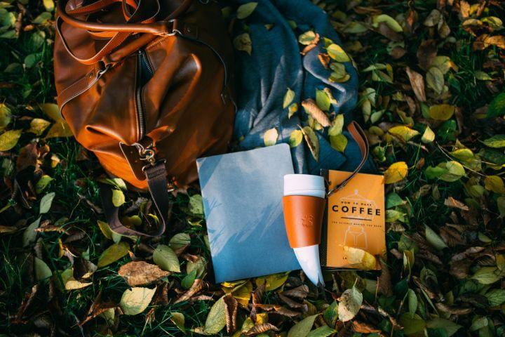"""Tasse à café """"corne à boire"""" en marron & blanc 2"""