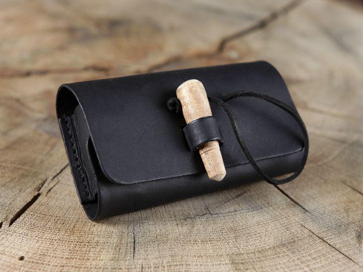 Sacoche de ceinture en cuir noir et ses trois fioles 2